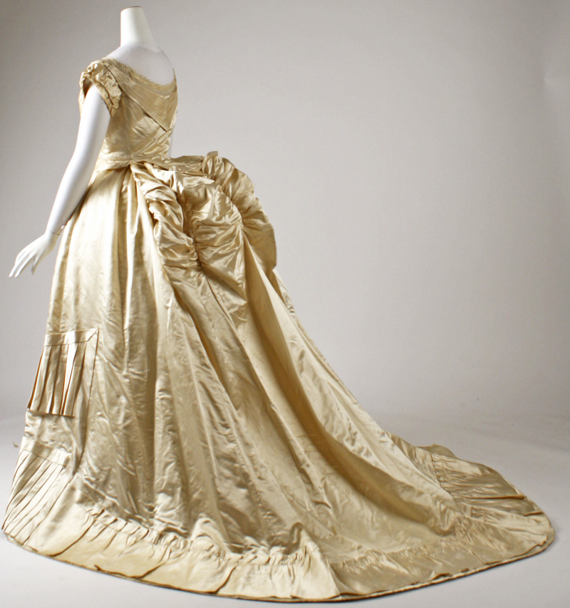 French 1876 Ballgown - met